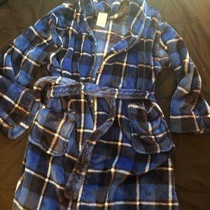 Boys Size 10-12 Fuzzy Robe